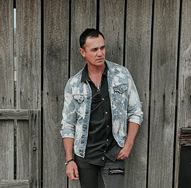 Shannon Noll- Raw & Uncovered Tour