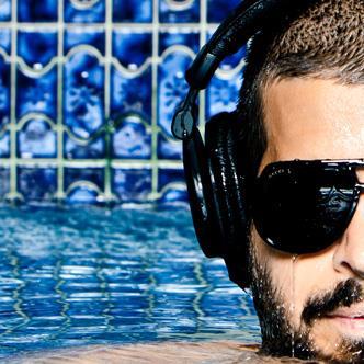Oscar G @ La Marina: Main Image