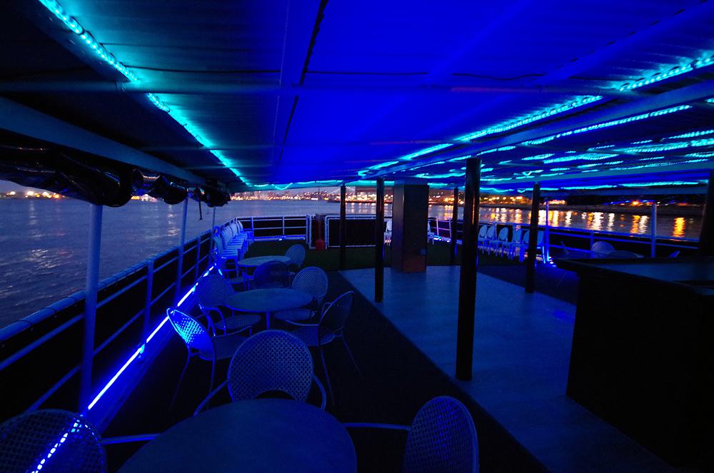 NYC Booze Cruise Skyport Marina cabana Boat Parties in NYC | Gametightny.com