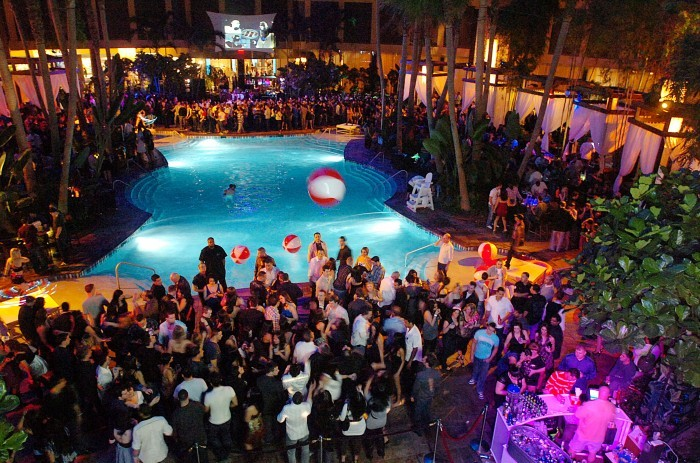 New Years Eve Party at Harrahs Pool in AC | GametightNY.com