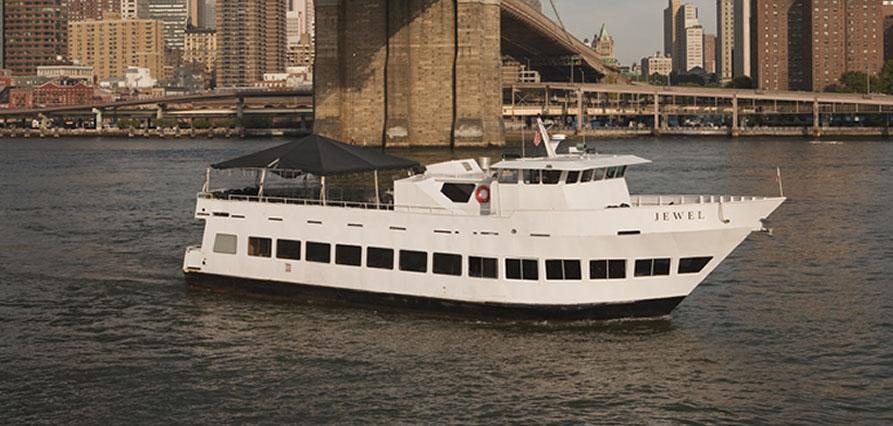 MDW New York Skyport Marina Jewel Yacht | Gametightny.com