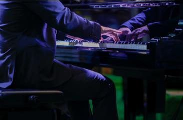 Dueling Pianos Signature Event: Main Image