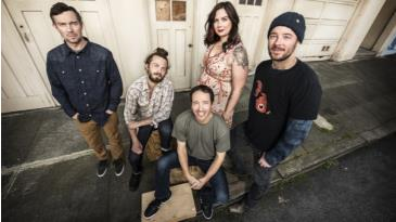 Yonder Mountain String Band: Main Image