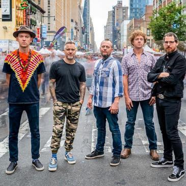 THE INFAMOUS STRINGDUSTERS-img