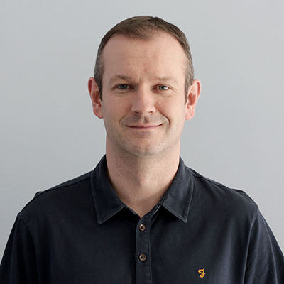 Headshot of Dan